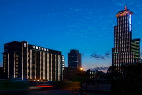 上海陆家嘴东方明珠和颐至尊酒店